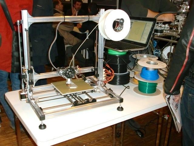 tous les trucs que vous pouvez imprimer en 3d taient au salon de l imprimante 3d vice. Black Bedroom Furniture Sets. Home Design Ideas