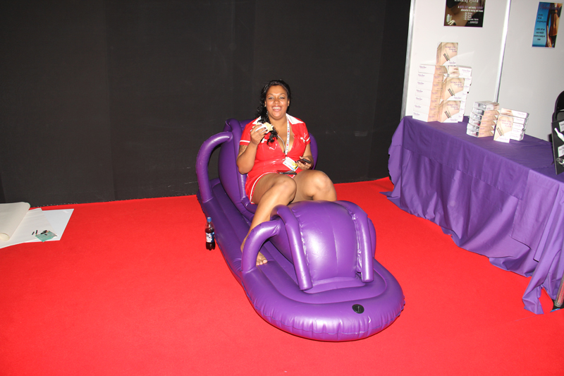 video-inflatable-sex-chair-latino-women-huge-boobs